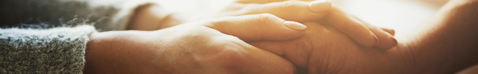 mains serrées bienveillance